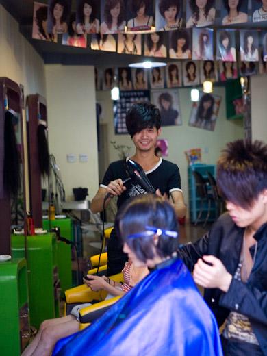 Praktiken des Haareschneidens. Verankerung von Wissen in ökonomischen Konventionen auf dem Friseurmarkt